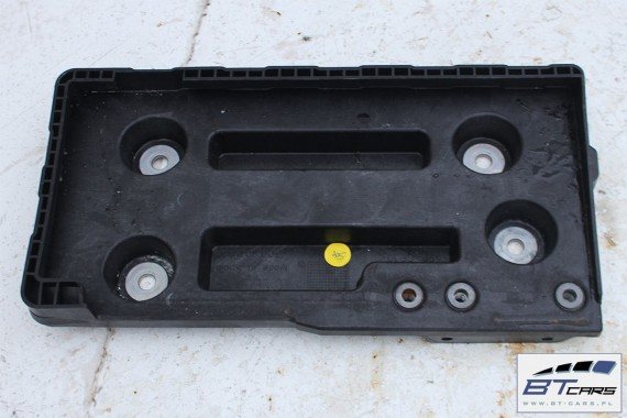 VW PASSAT B8 PODSTAWA AKUMULATORA 3Q0804869 obudowa 3Q0 804 869