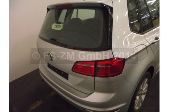 VW GOLF 7 SPORTSVAN ZDERZAK TYŁ TYLNY pod HAK Kolor: LA7W - srebrny refleks metalik  510